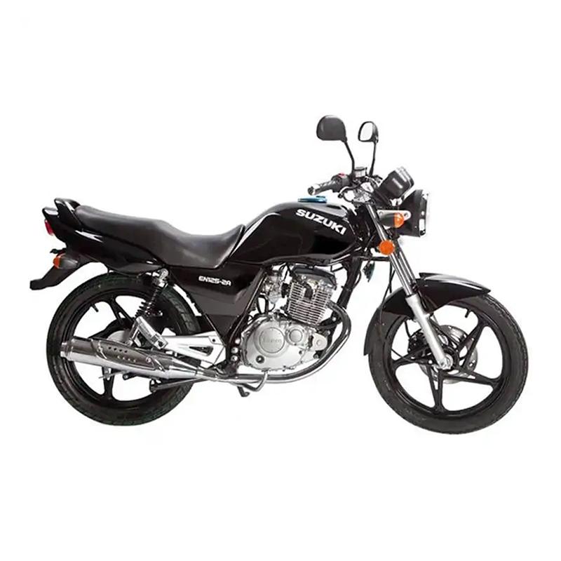Motocycle SUZUKI EN125-2A Monocylindre 5 vitesses en Noir